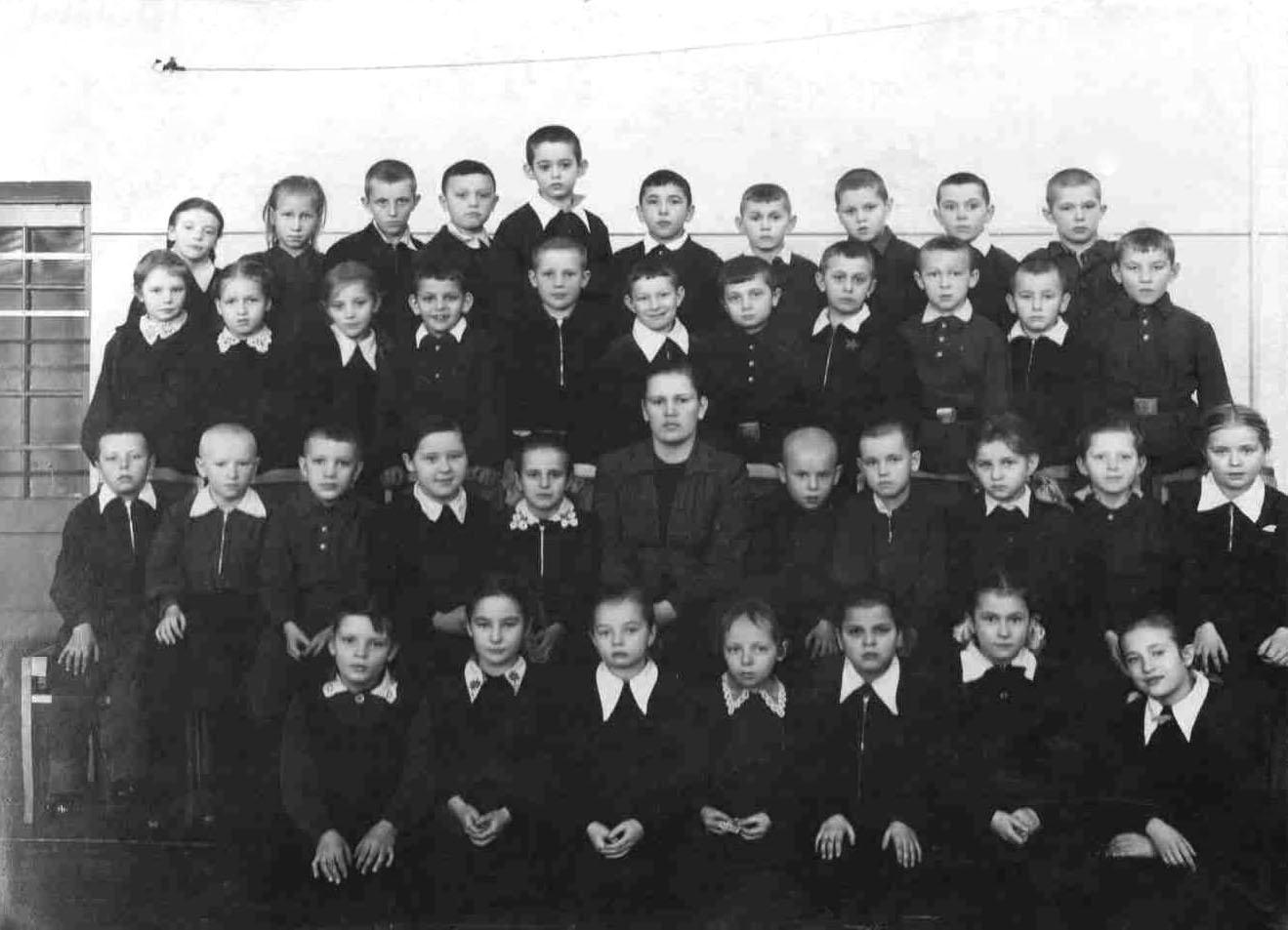 Далее со слов автора: с 1 по 9 классы я учился в средней школе 5 города бровары киевской области